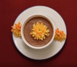Mousse au Chocolat (Claudine Wilde) - Rezept