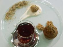 Getränkter Mohnkuchen mit Walnüssen und Sahne - Rezept