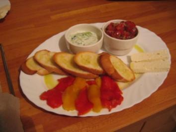 Tomatensalat mit Pinienkernen - Rezept