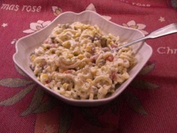 Nudelsalat mit frischen Kräutern - Rezept