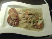 Kalbsschnitzel mit Gemüserahmsauce und Kartoffel-Speck-Blinis - Rezept