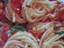 Spaghetti mit Tomatenpesto - Rezept