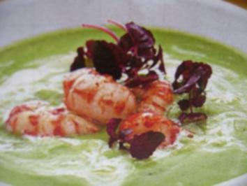 Zucchini- Suppe  mit Krebsfleisch - Rezept