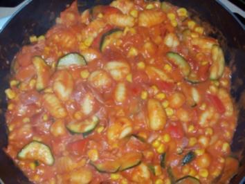 Gemüsepfanne mit Gnocchi - Rezept
