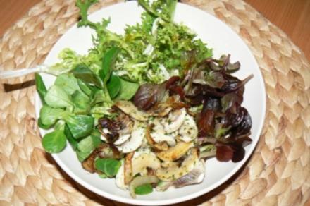 Winterlicher Salat mit gebratenen Champignons - Rezept