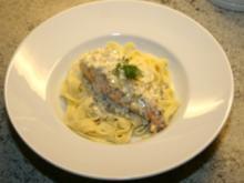 Lachs in Weißweinsoße mit Tagliatelle - Rezept