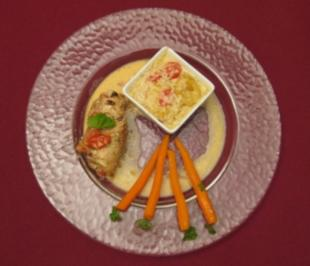 Basilikum-Putenroulade mit Kartoffel-Tomaten-Gratin und glasierten Babykarotten - Rezept