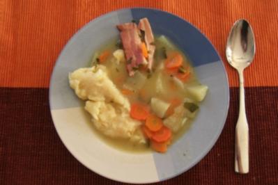 Kohlrabi-Möhren Gemüse mit Mehl-Spatzen - Rezept
