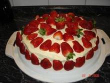 Buttercremtorte mit Erdbeeren - Rezept