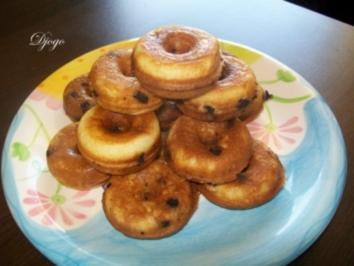 Donuts mit Schokostückchen - Rezept