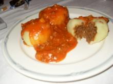 Gefüllte Kartoffelknödel mit Tomatensoße - Rezept