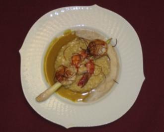 Spieß von Jakobsmuscheln und Scampi auf Kokosrisotto und Thai-Curryschaum - Rezept