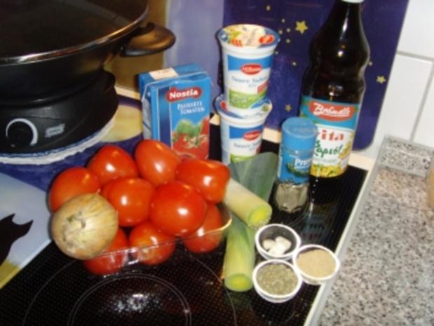 Tomatensuppe mit Lauch und saure Sahne - Rezept
