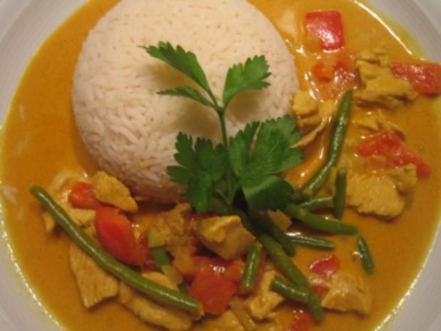 Curry-Hähnchen mit Bohnen, Paprika und Reis - Rezept ...