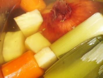 Gemüsebrühe - Rezept
