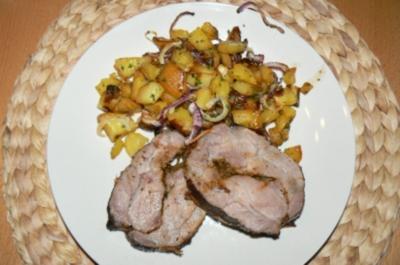 Was herzhaftes aus dem Backofen: Spießbraten mit Petersilien-Zwiebel-Kartoffeln - Rezept