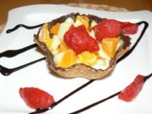 Ab ins Körbchen - wenn sich Obstsalat und Mascarpone treffen - Rezept