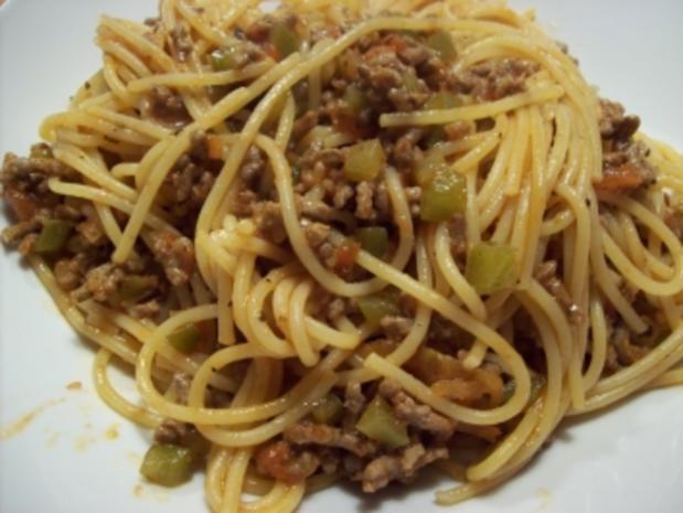 Spaghetti a la Bolognese - Rezept