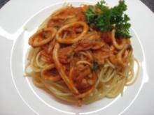 Spaghettini mit frischen Tintenfischen - Rezept