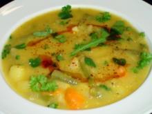 Einfache Gemüsesuppe mit frischen Kräuten - Rezept