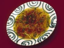 Rindsuppe mit Nudeln und Schnittlauch (Christine Schuberth) - Rezept