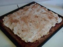 Kirschkuchen unter Zimt-Sahnehaube - Rezept