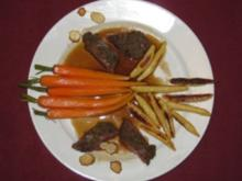 Rehrückenfilet mit Gewürz-Kruste an Schupfnudeln und glasierten Karotten - Rezept