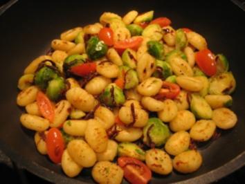 Gnocchi-Pfanne mit Rosenkohl - Rezept