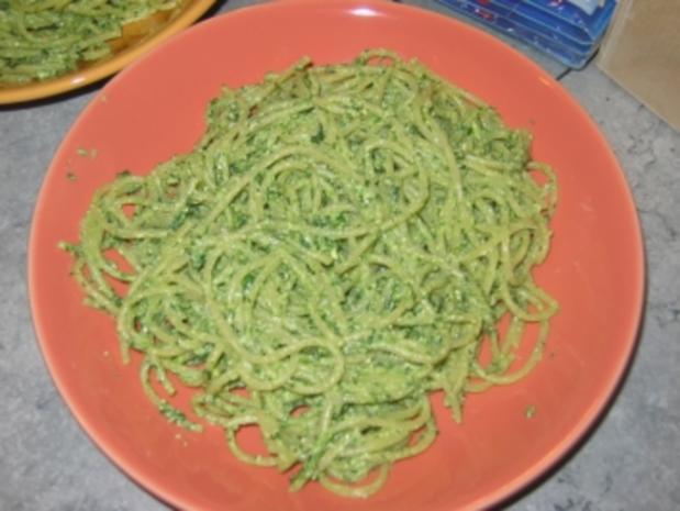Nudeln mit leichtem Pesto - Rezept