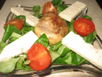 Feldsalat mit gefüllten Riesenchampigon und Feta Garnitur - Rezept