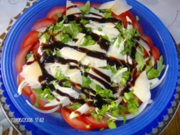 Tomate-Galbanino-Salat mit Rucola - Rezept