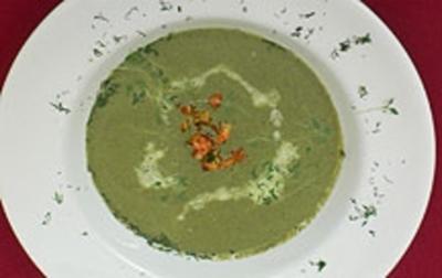 Kresse-Blattspinat-Schaumsüppchen mit Flusskrebsschwänzen - Rezept
