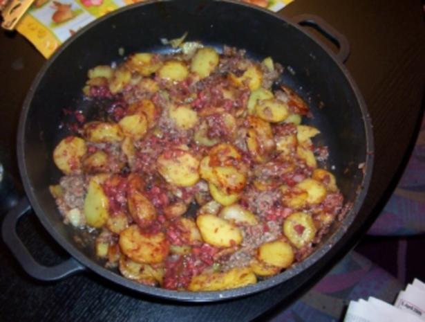 Bratkartoffeln mit Blut- und Leberwurst - Rezept - Bild Nr. 2
