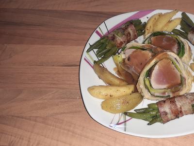 Schweinefilet im Blätterteig (mit Sauce Robert) - Rezept - Bild Nr. 10323
