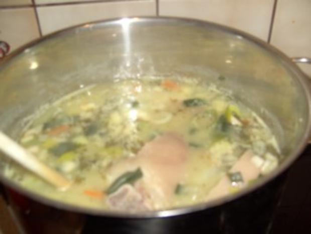 Erbsensuppe mit Eisbein und Rippchen - Rezept - Bild Nr. 2