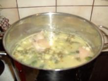 Erbsensuppe mit Eisbein und Rippchen - Rezept