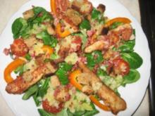 Feldsalat mit Hähnchenbrust und warmen Kartoffeldressing - Rezept