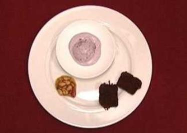 Heidelbeer-Tonkabohnen-Eis (Sabine Pfeiffer) - Rezept