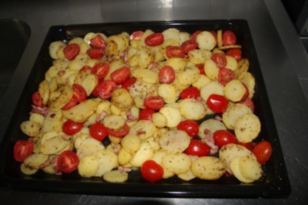 Kartoffel-Tomaten-Pizza mit Bacon - Rezept - Bild Nr. 2