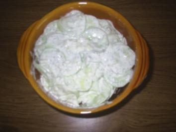 Rezept: Salat - Gurkensalat mit saurer Sahne