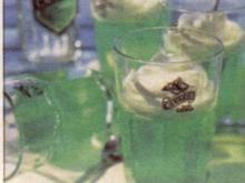 Caipirinha Götterspeise mit Limetten-Jogurtsauce - Rezept