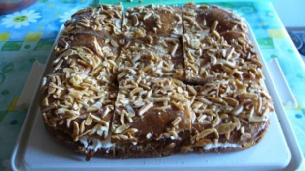Kuchen: Saftiger Aprikosen-Bienenstich - Rezept - Bild Nr. 4