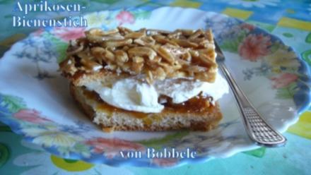 Kuchen: Saftiger Aprikosen-Bienenstich - Rezept
