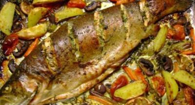 Rezept: Fisch: Lachsforelle im Gemüsebett