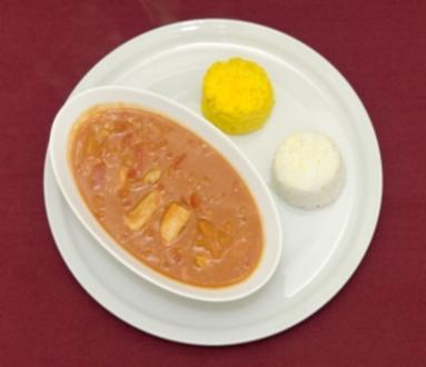 Rotes Thai Curry mit Reis (Nadja Benaissa) - Rezept