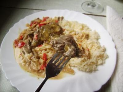 Fleisch: Steaks  auf Austernpilzen in Paprika-Chilli Soße - Rezept