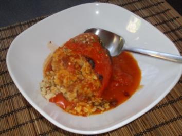 Paprika gefüllt mit Reis und Putenbruststreifen - Rezept