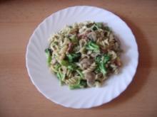Spiralnudeln mit Brokkoli und Schinken - Rezept