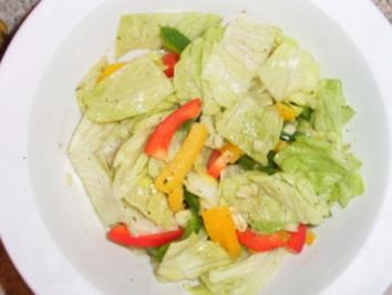 Eisbergsalat mit Paprika und Balsamicodressing - Rezept