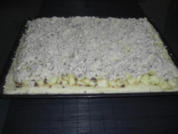 Apfel-Mus-Kuchen mit Butter-Schoko-Streuseln - Rezept